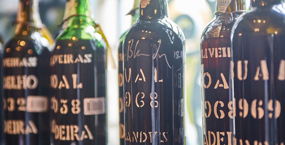 大好きなポルトガルのワインを飲みながら書いてます。